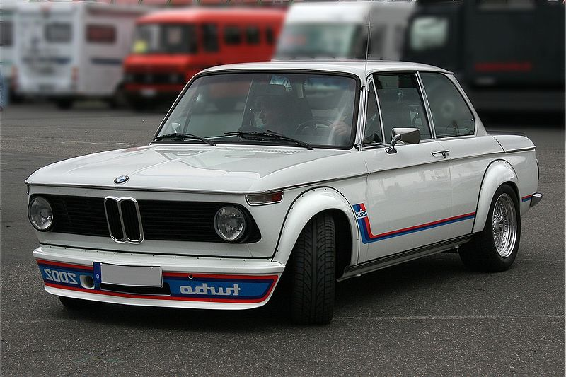 BMW 2002 Turbo: 9 фото