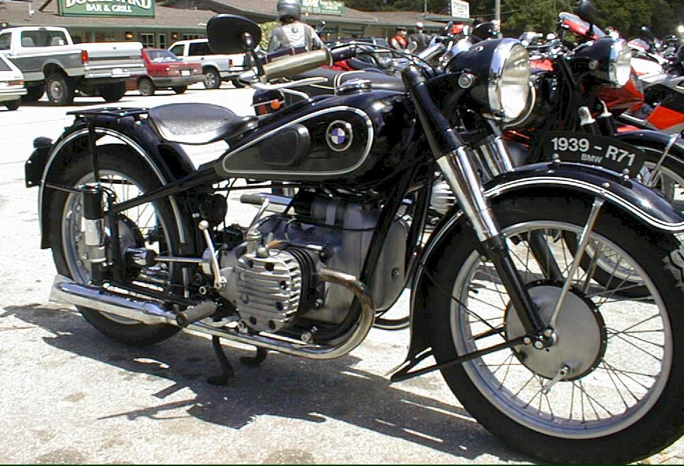 Index of /data_images/galleryes/bmw-r-71/