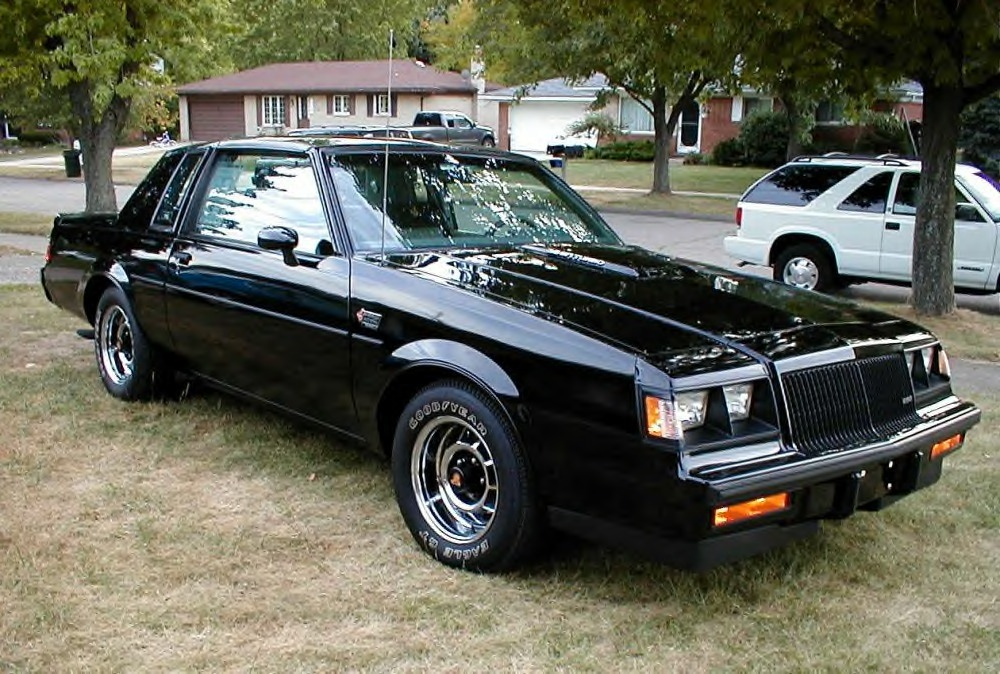 Buick Grand National: 1 фото