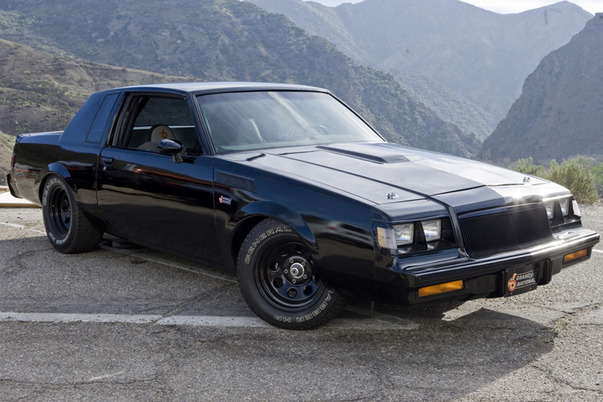 Buick Grand National: 2 фото