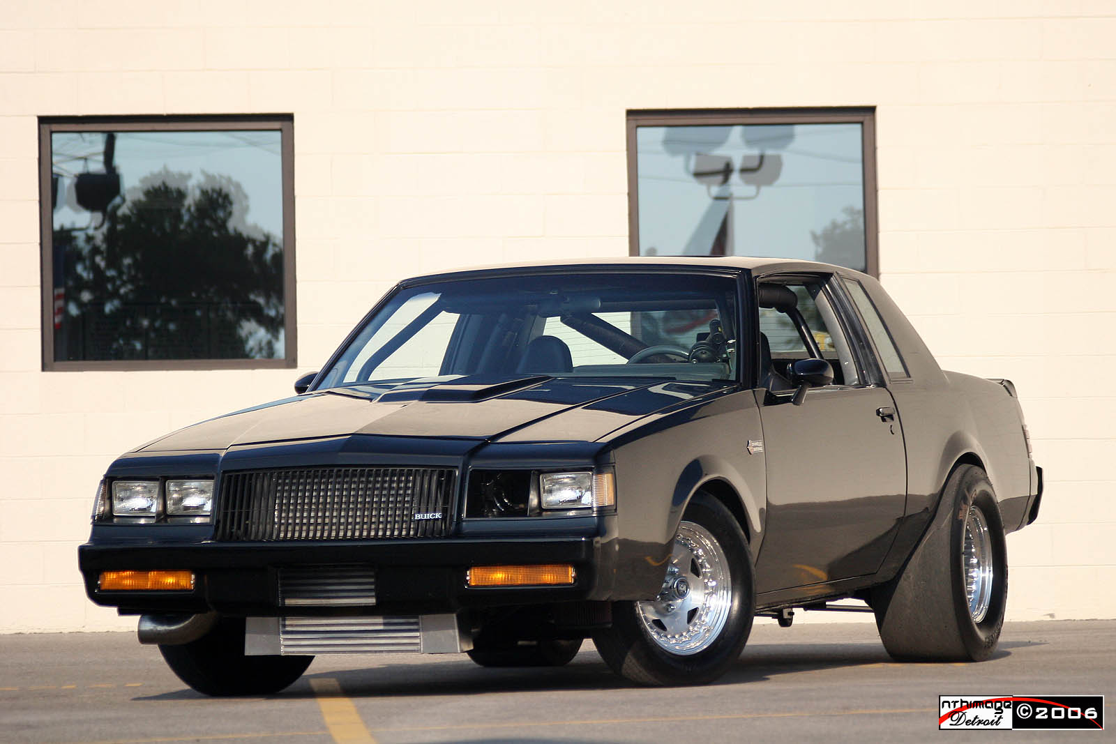 Buick Grand National: 4 фото