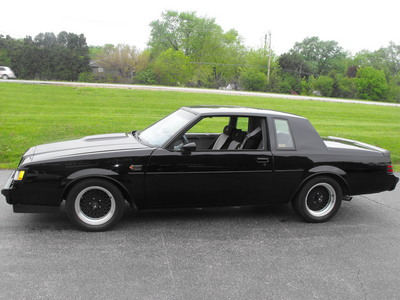 Buick Grand National: 9 фото