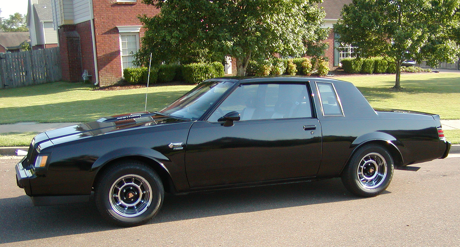 Buick Grand National: 10 фото