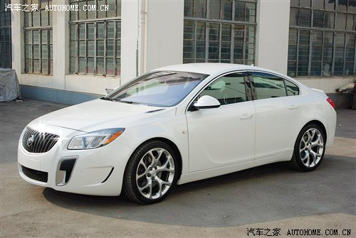 Buick Regal GS: 8 фото