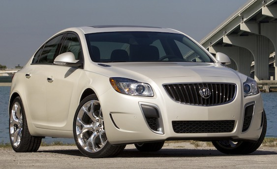 Buick Regal GS: 10 фото