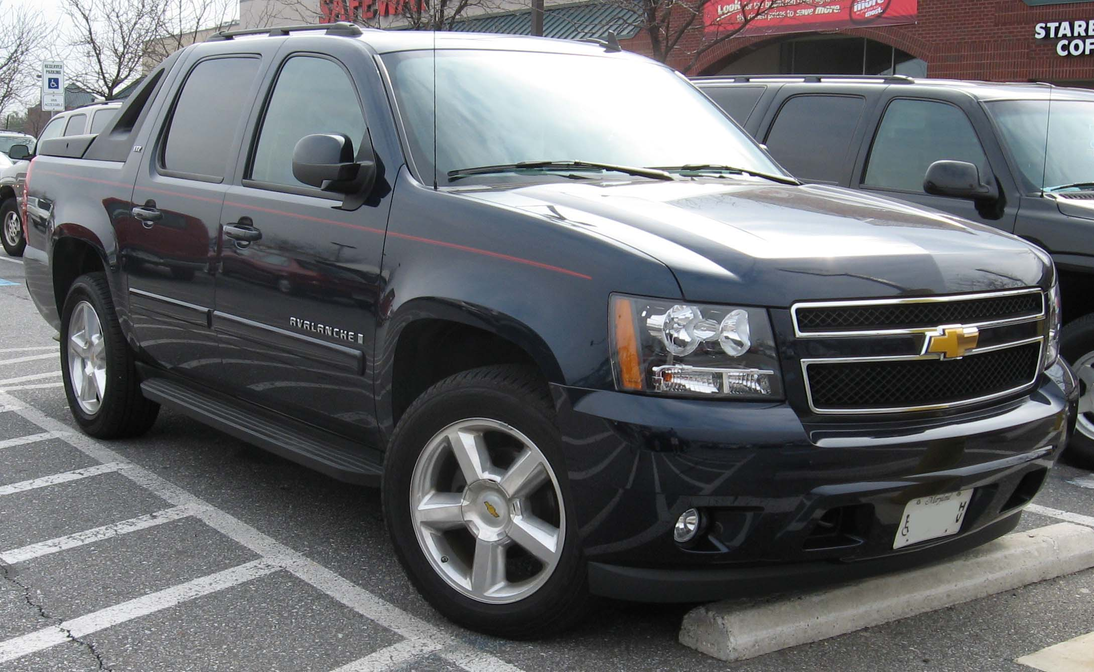 Chevrolet Avalanche: 3 фото