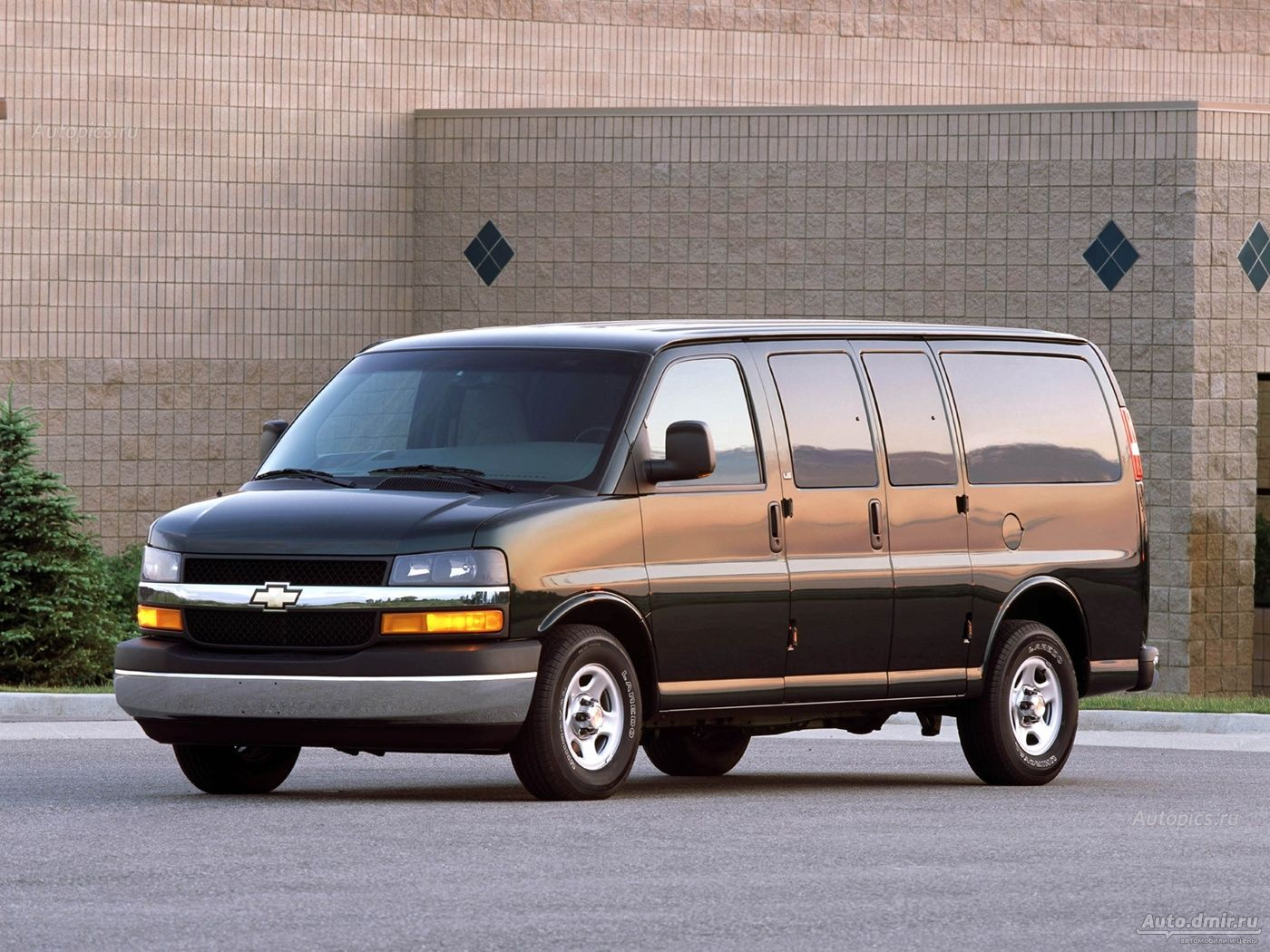 Chevrolet Express: 4 фото