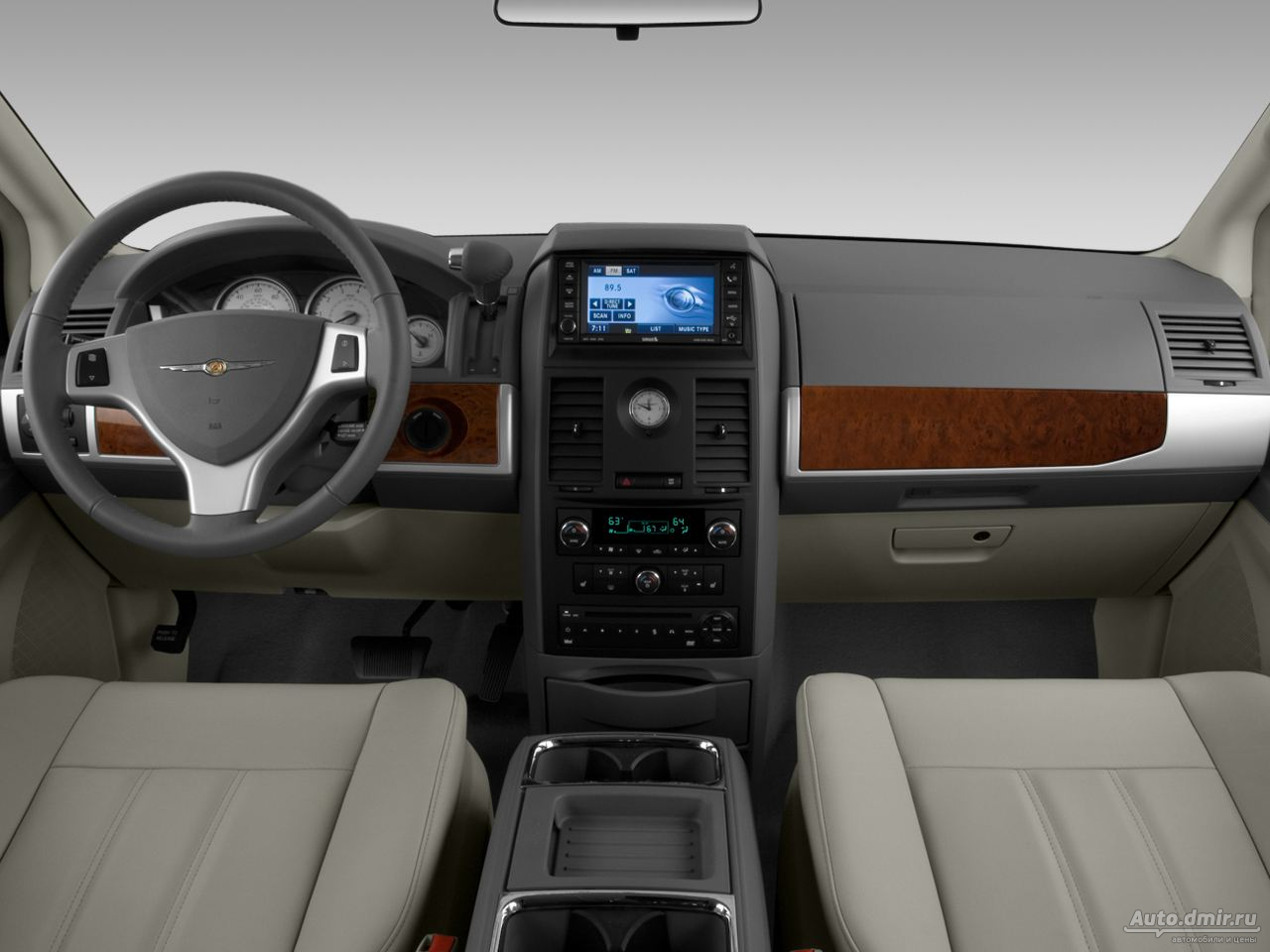 Chrysler Town & Country: 10 фото
