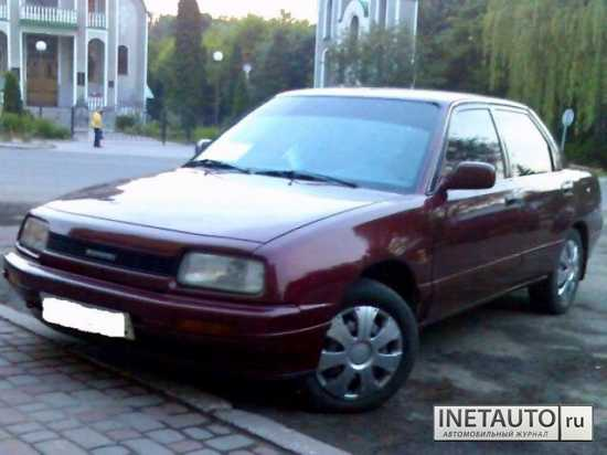 Daihatsu Applause: 12 фото