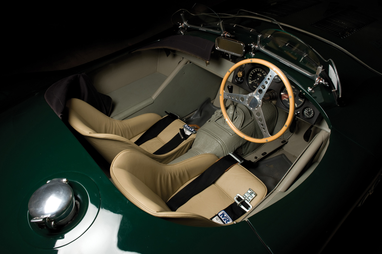 Jaguar C-Type: 11 фото