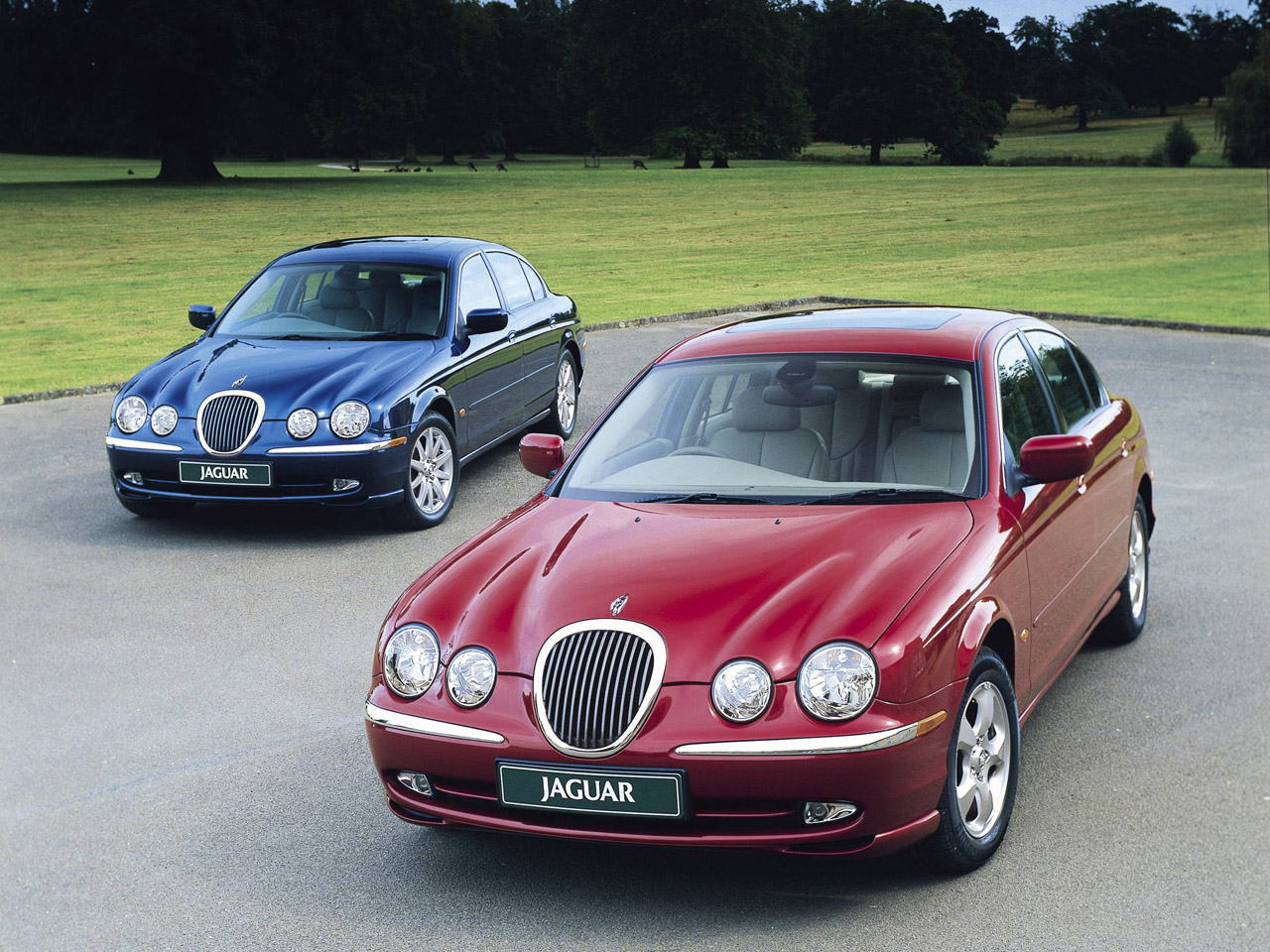 Jaguar S-Type: 2 фото