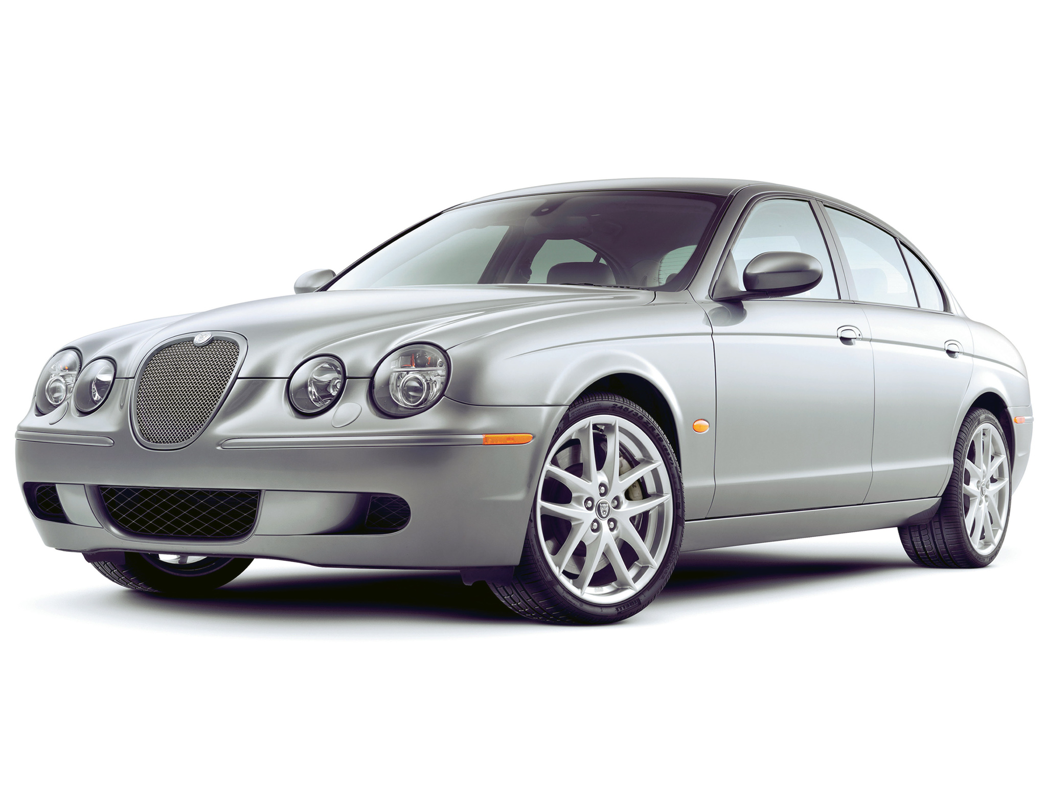 Jaguar S-Type: 9 фото