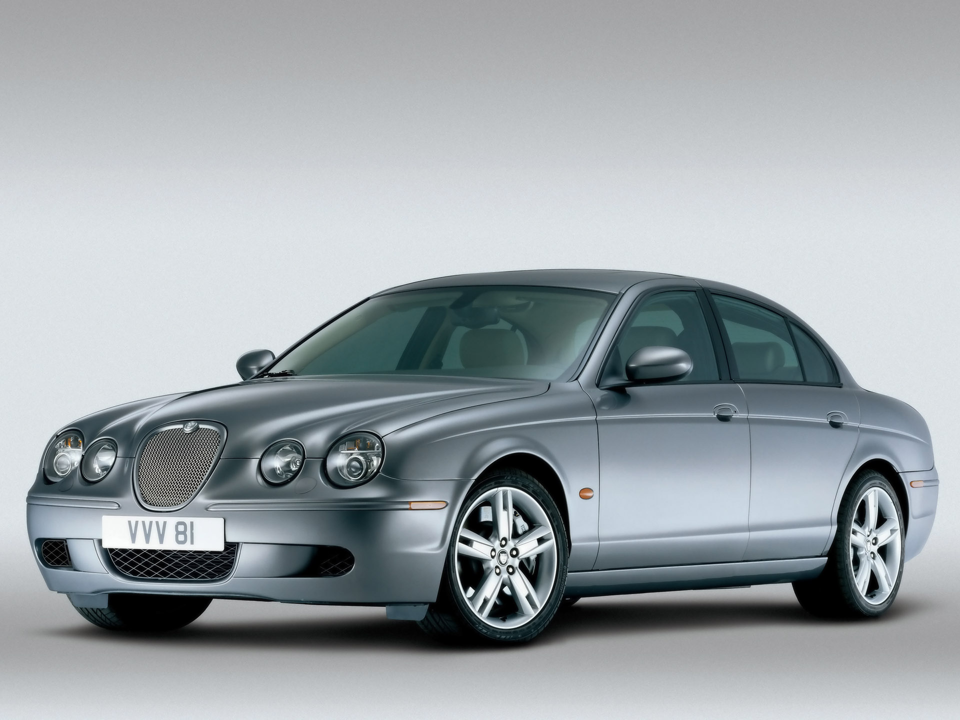 Jaguar S-Type: 11 фото