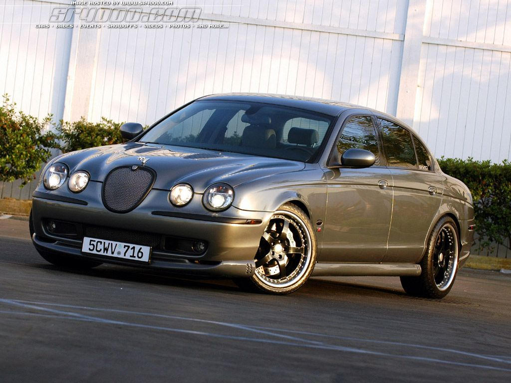 Jaguar S-Type: 12 фото