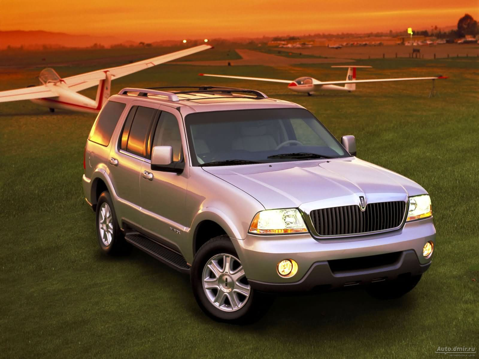 Lincoln Aviator: 7 фото