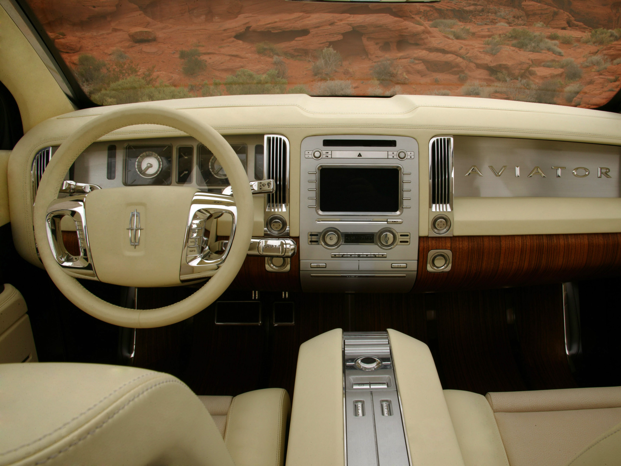 Lincoln Aviator: 8 фото