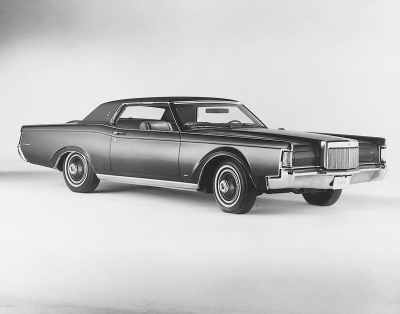 Lincoln Continental Mark III: 10 фото