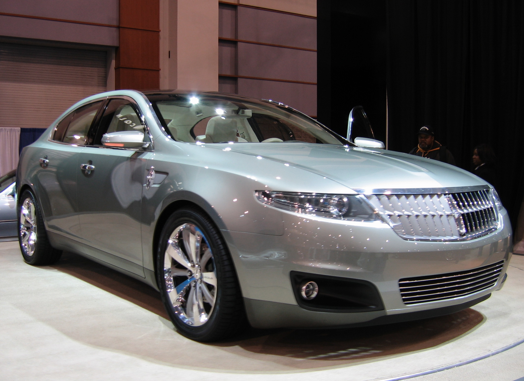 Lincoln MKS: 1 фото
