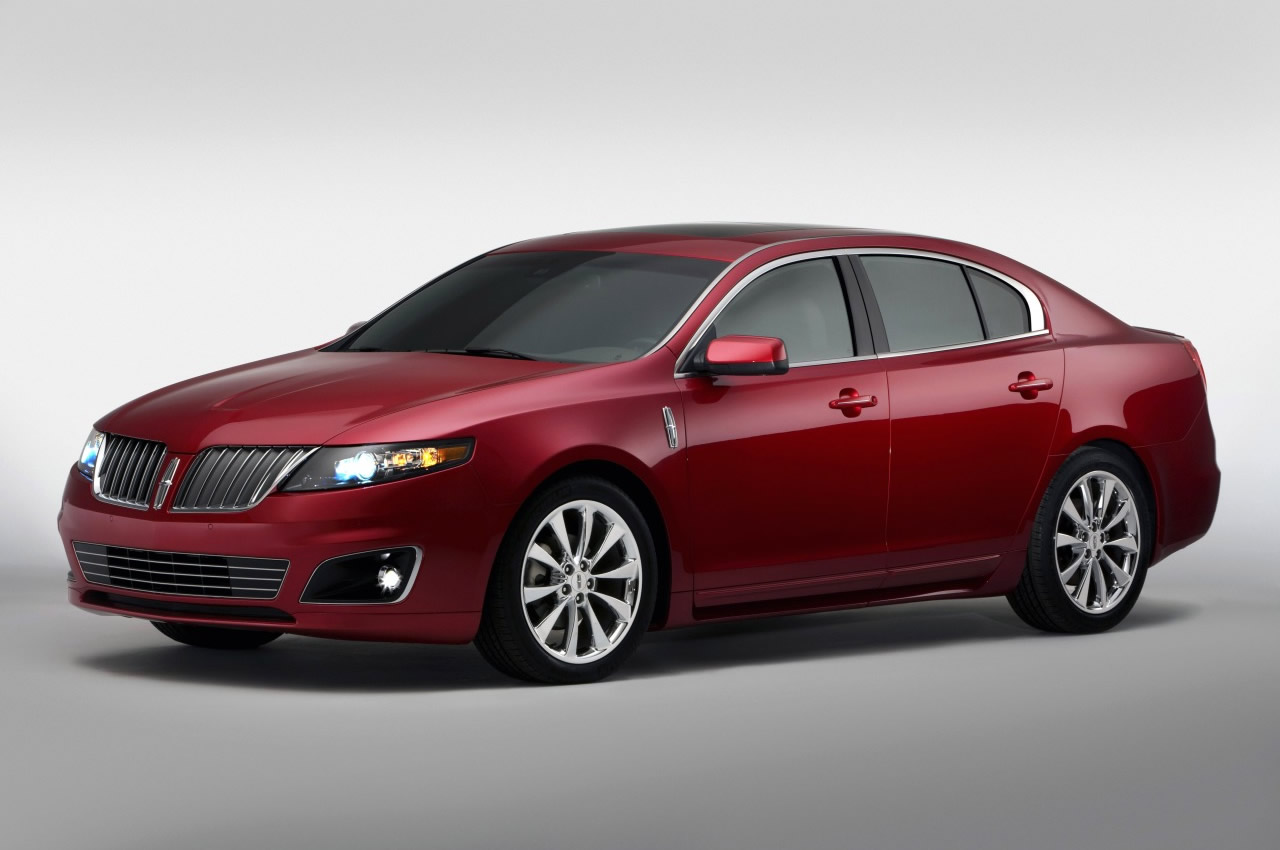 Lincoln MKS: 4 фото