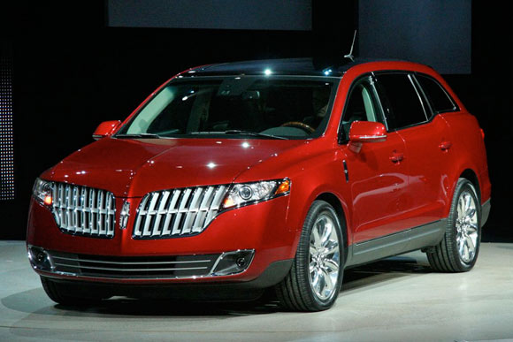 Lincoln MKT: 2 фото