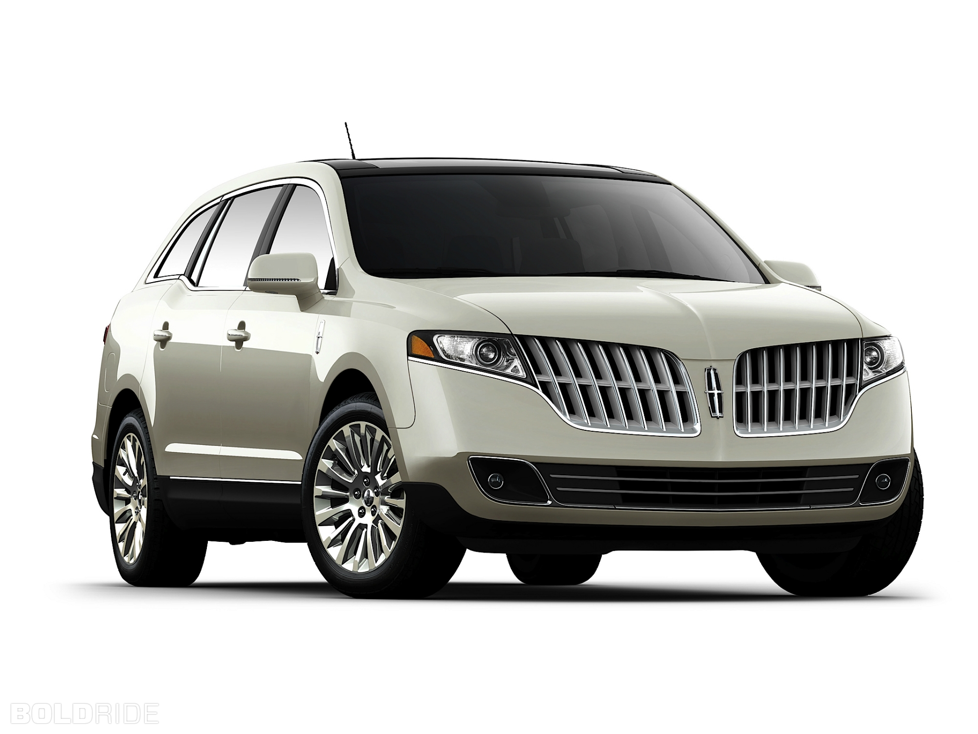Lincoln MKT: 10 фото