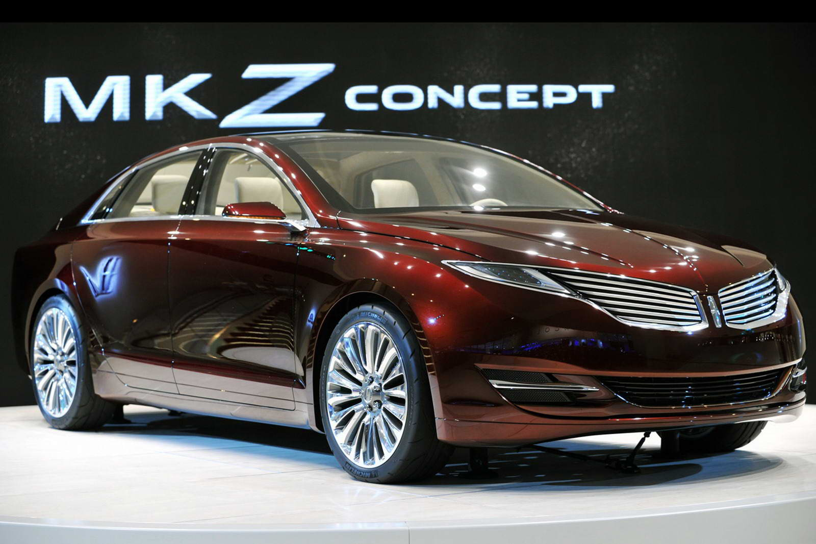 Lincoln MKZ: 9 фото