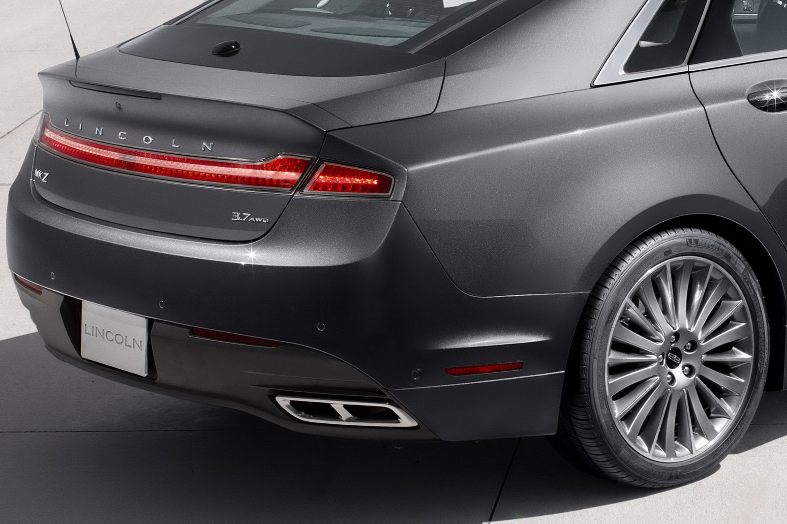 Lincoln MKZ: 12 фото