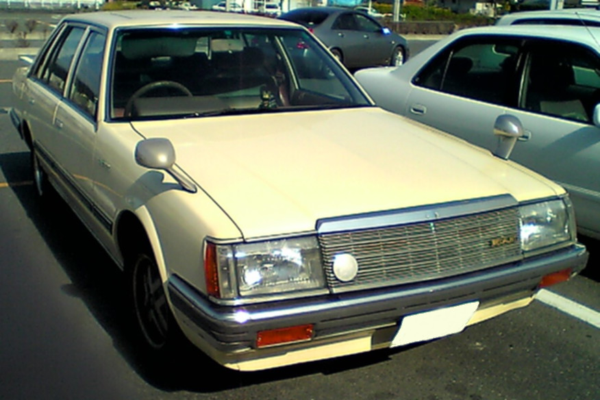 Nissan Laurel: 8 фото