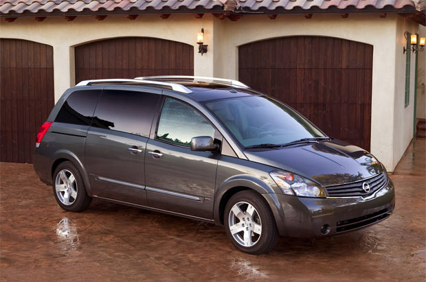 Nissan Quest: 5 фото