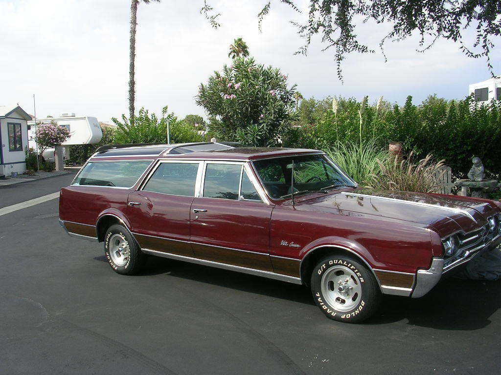 Oldsmobile Vista Cruiser: 12 фото