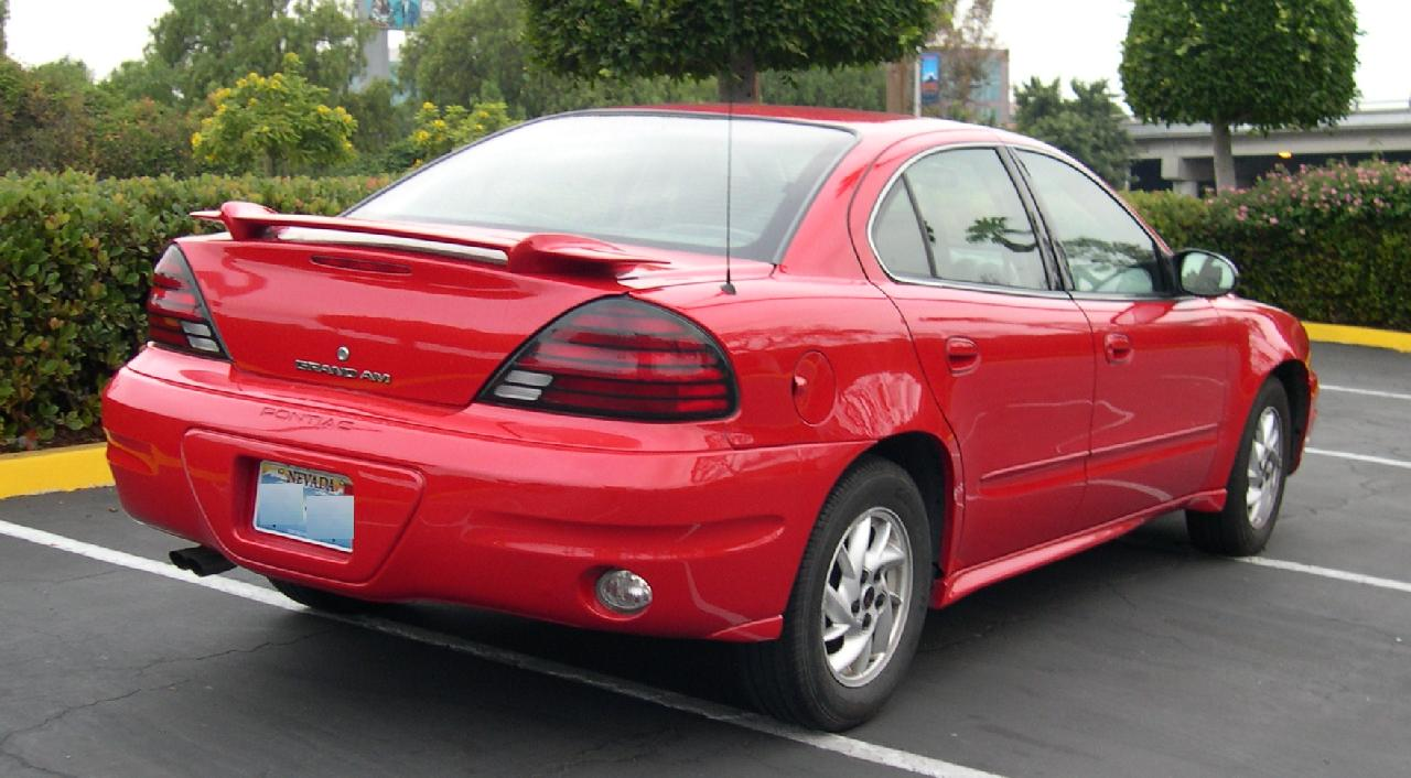 Pontiac Grand Am: 8 фото