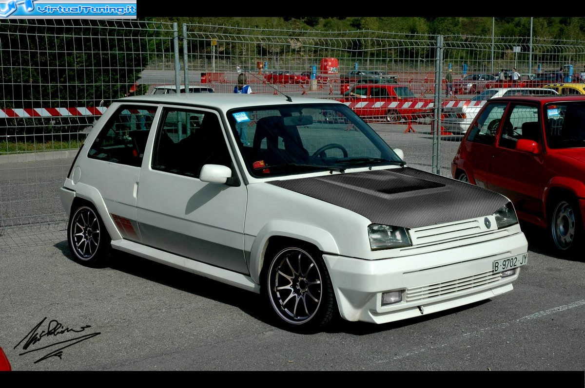 Renault 5 GT Turbo: 5 фото