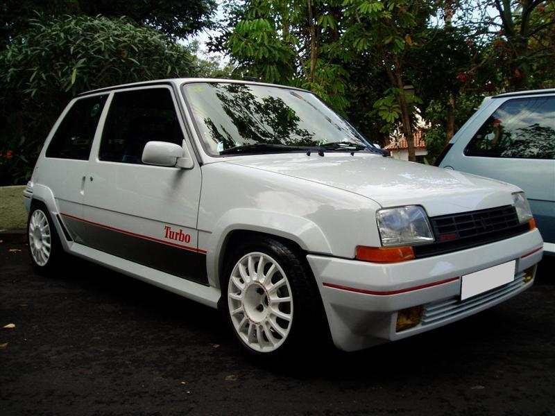 Renault 5 GT Turbo: 9 фото