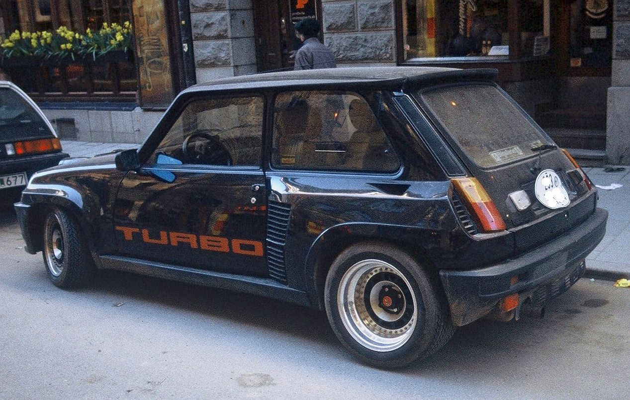 Renault 5 Turbo: 6 фото