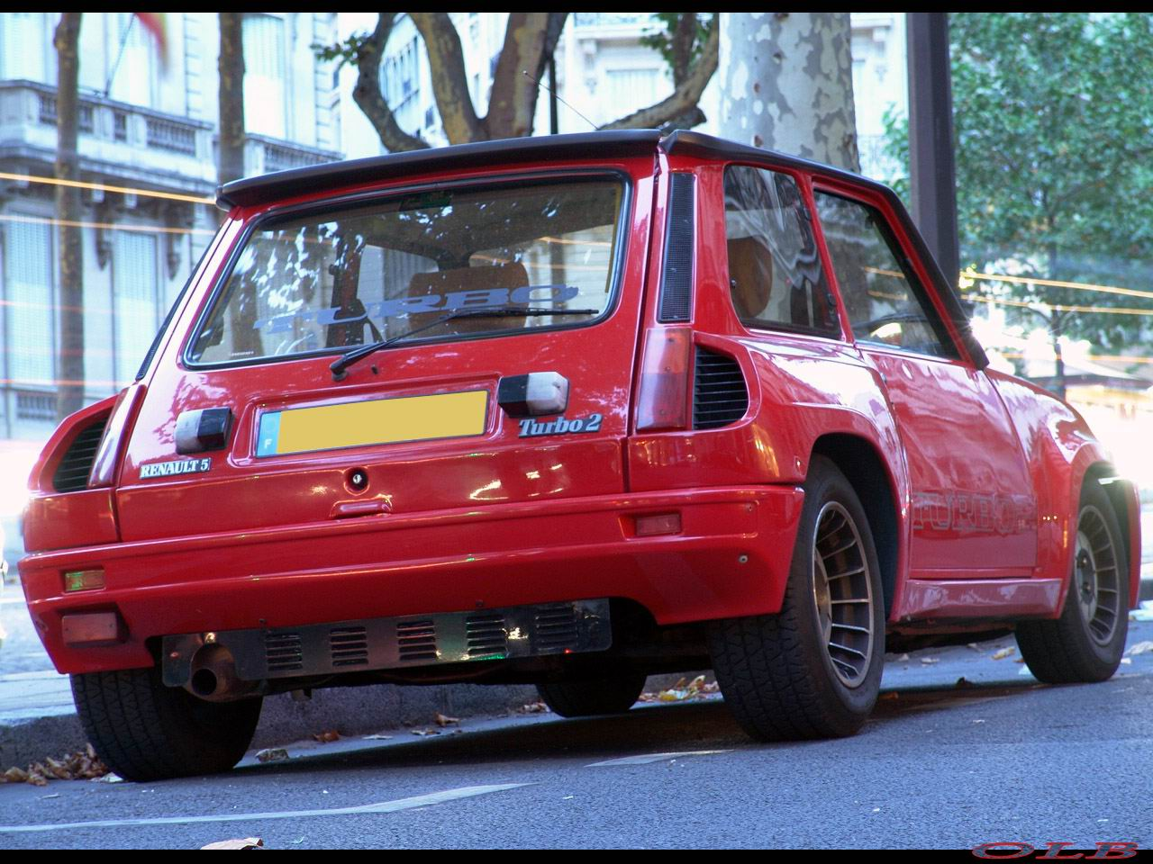 Renault 5 Turbo: 8 фото