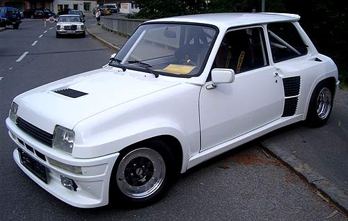 Renault 5 Turbo: 10 фото