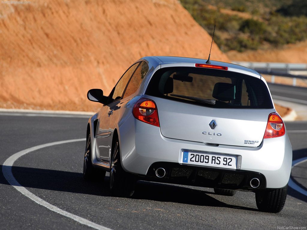 Renault Clio RS: 7 фото