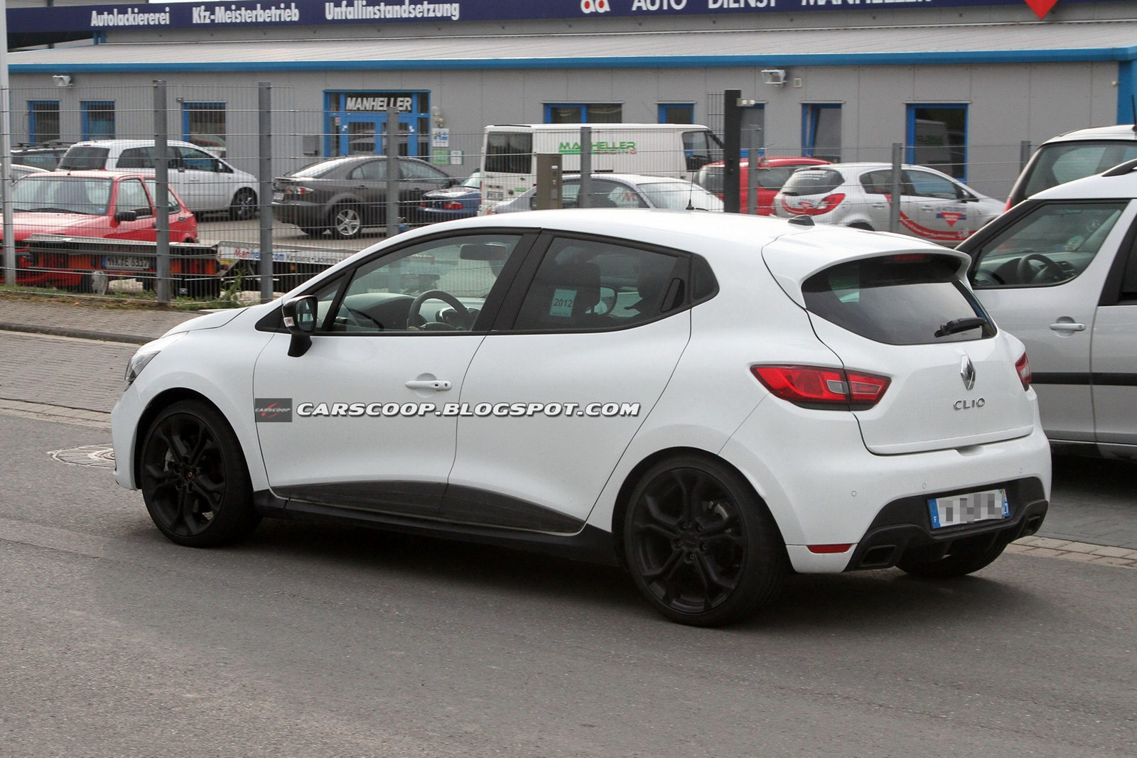 Renault Clio RS: 10 фото