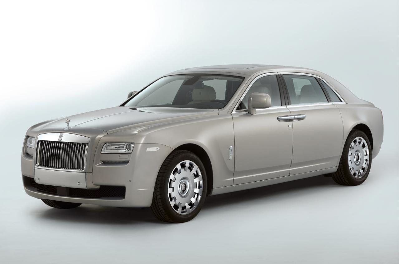 Rolls-Royce Ghost: 12 фото