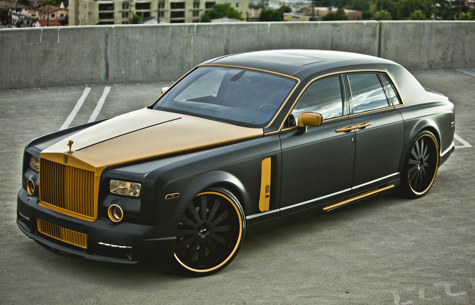 Rolls-Royce Phantom - 1600 x 1028, 08 из 13