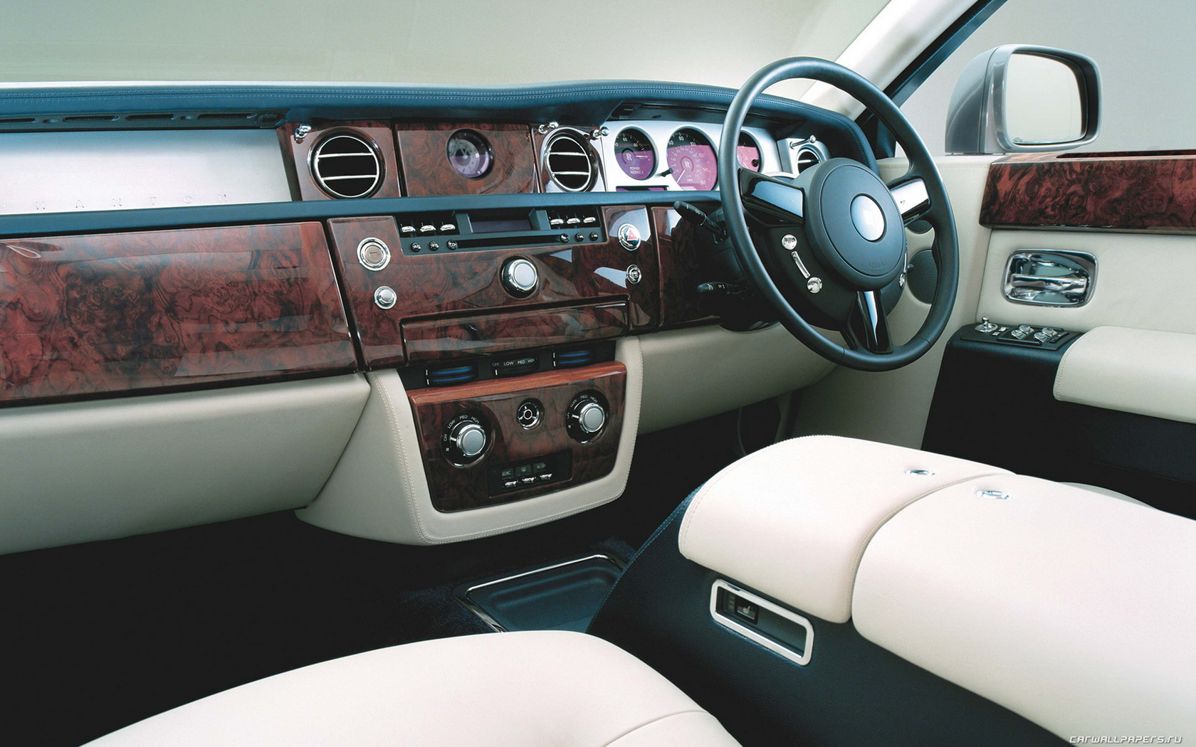 Rolls-Royce Phantom: 11 фото