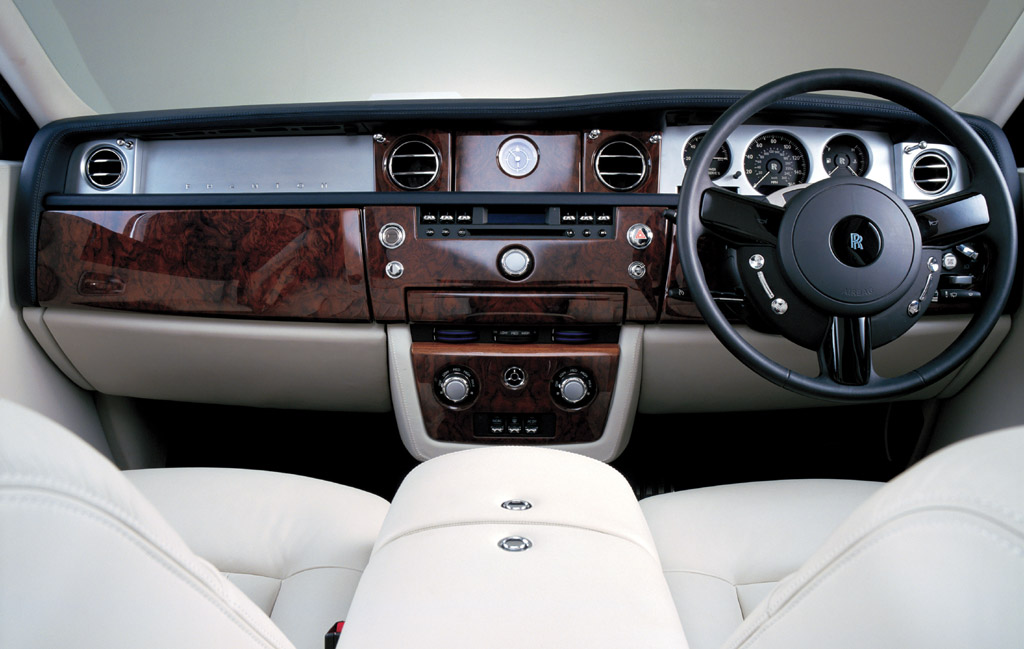 Rolls-Royce Phantom: 12 фото