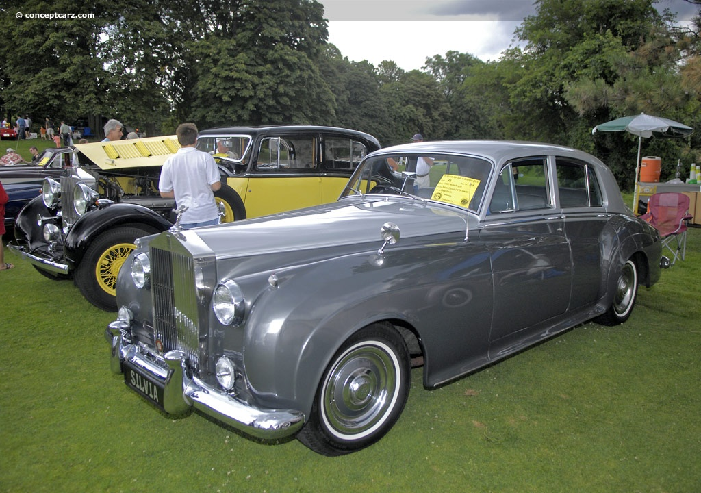 Rolls-Royce Silver Cloud: 11 фото