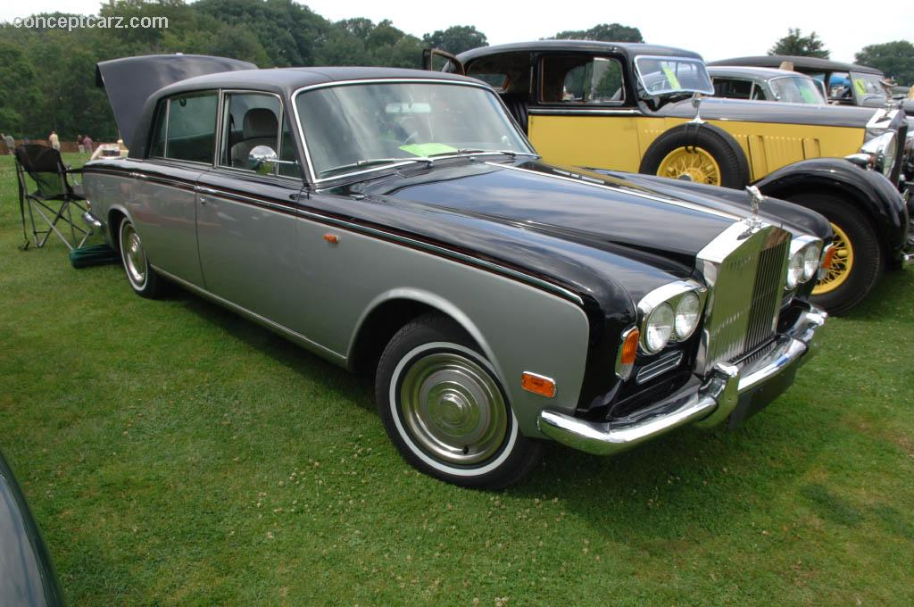 Rolls-Royce Silver Shadow: 10 фото