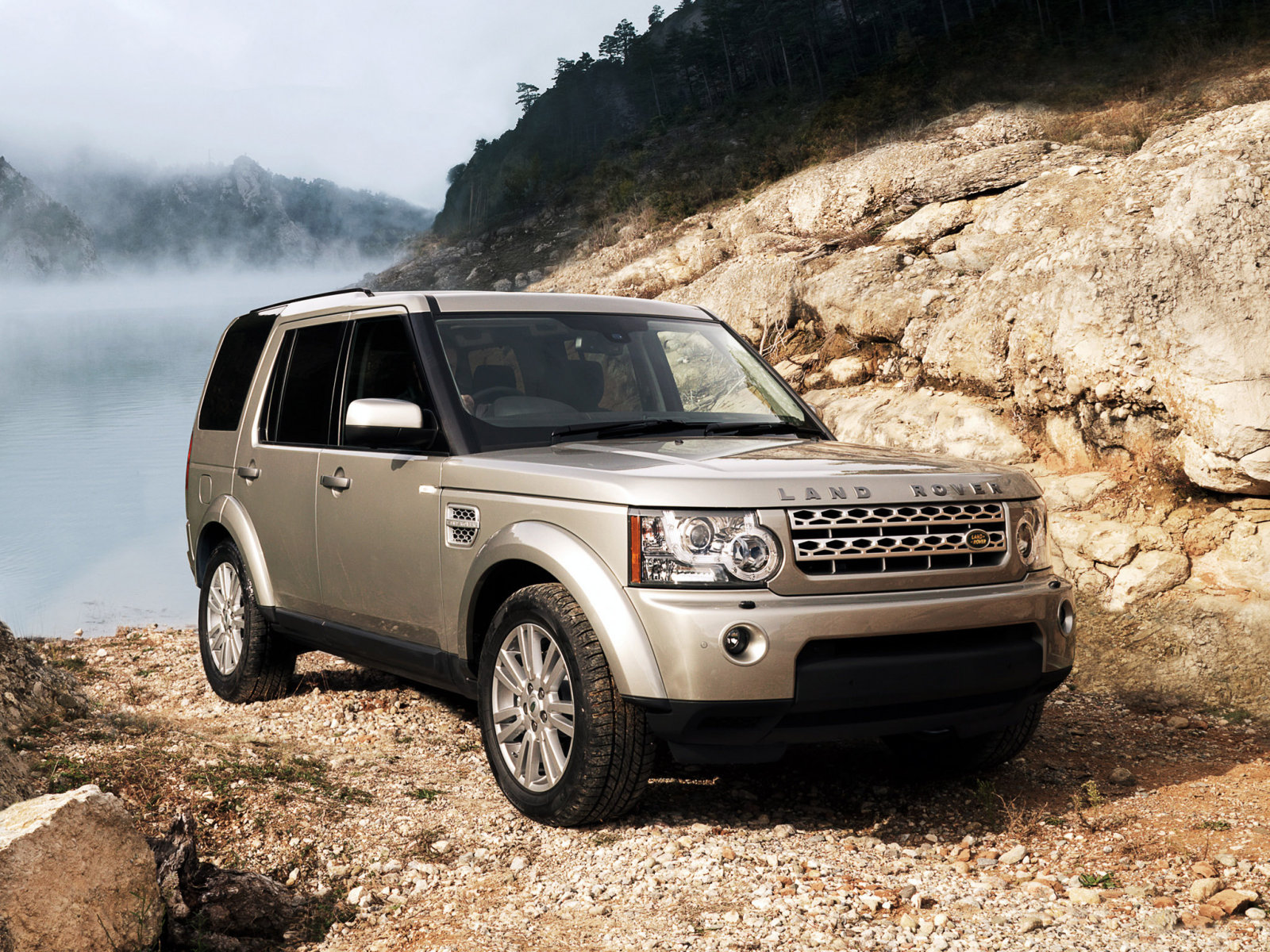 Land Rover: 9 фото