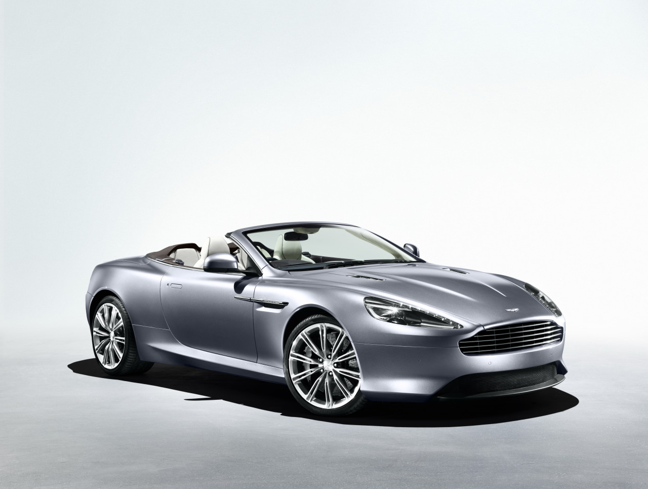 Aston Martin Virage: 04 фото