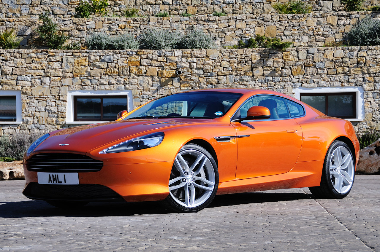 Aston Martin Virage: 10 фото