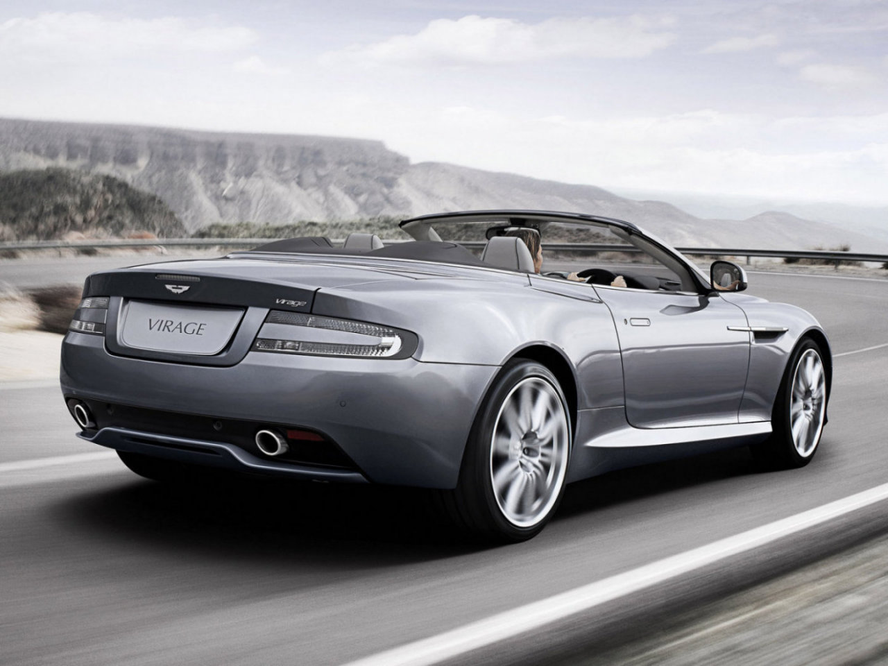 Aston Martin Virage: 12 фото