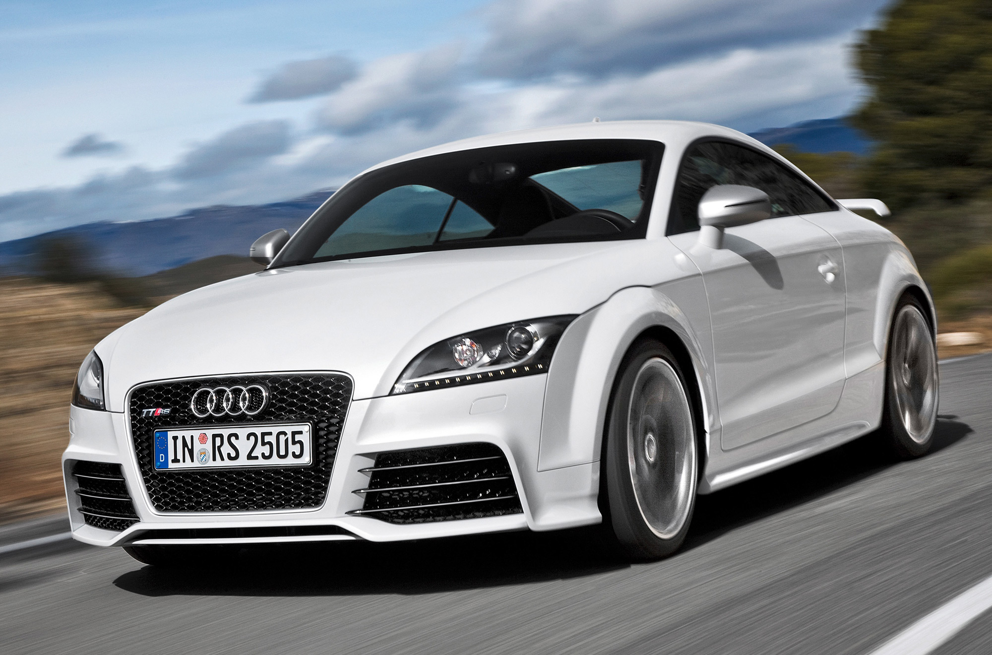 Audi TT RS Coupe: 06 фото