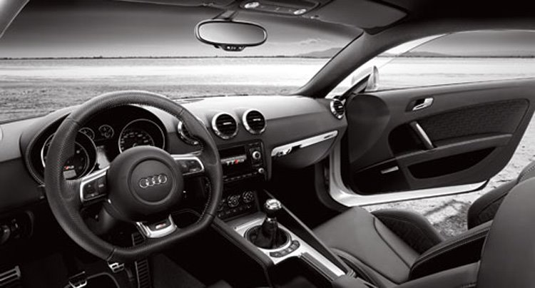 Audi TT RS Coupe: 7 фото